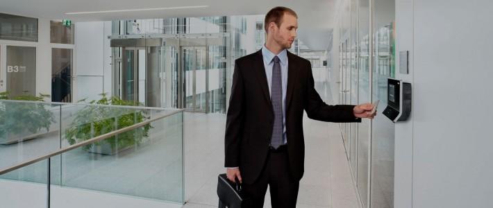 Controle de Acesso Biométrico Garante a Segurança de Condomínio Residencial